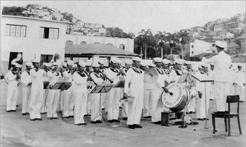 La Banda bajo la dirección del Sr. SUBS. Daniel Hidalgo